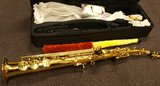 Sopraansax met koffer, draagband e.d, goudkleurig_6
